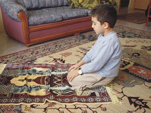 روش های صحیح برای نماز خوان کردن کودکان ۲