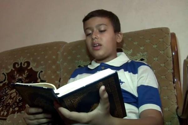 کودک نابغه ای که در ۳ ماه حافظ کل قرآن شد!